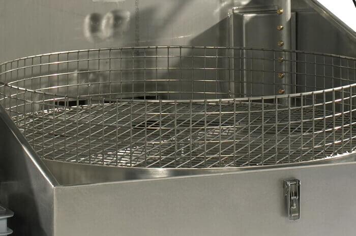 masina-de-spalat-piese-prin-pulverizare-cu-cos-rotativ-ateliere-productie-toploader-2